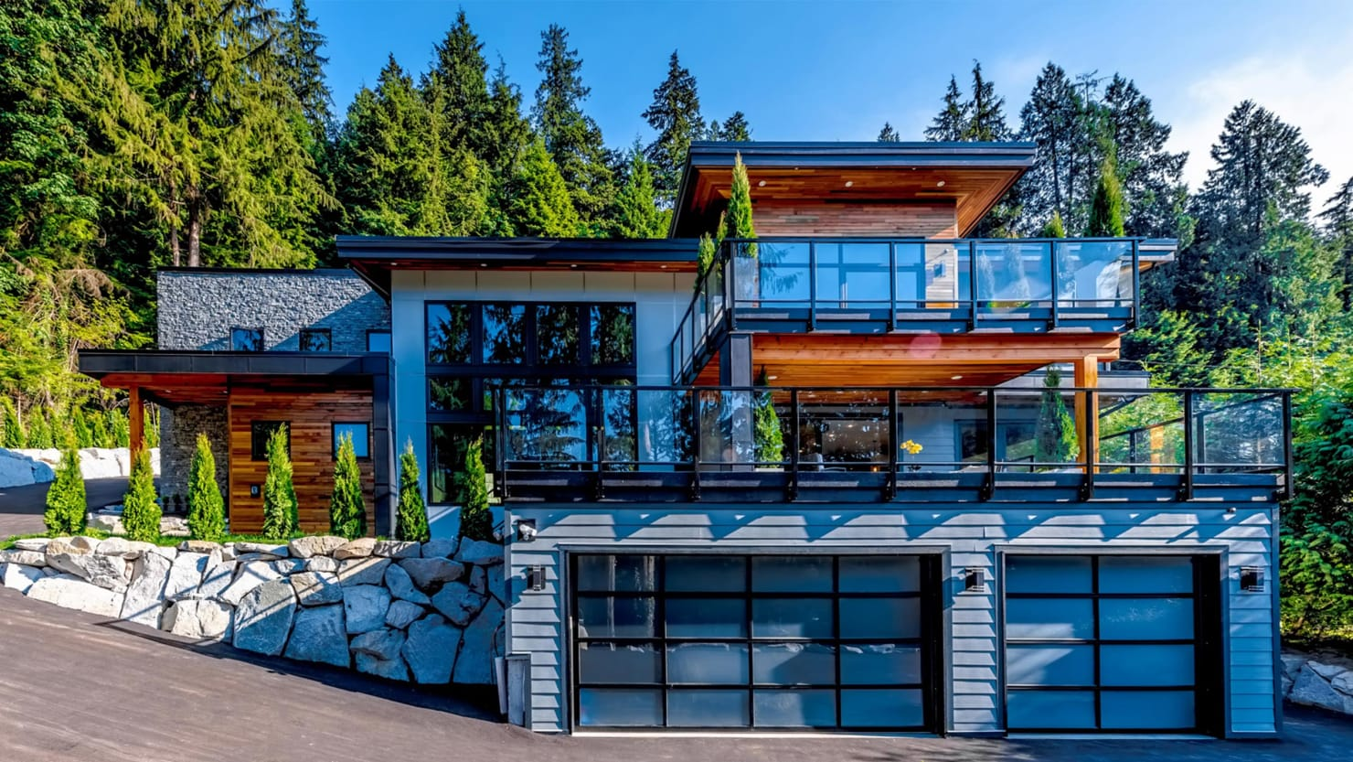Wonderful 4000 Sq Ft Canadian Home - 171202-mcnearney-omg-i-want-this-hous-canada-hero_gyivww  Graphic_998952.0/c_limit,w_740/fl_lossy,q_auto/v1512232798/171202-mcnearney-omg-i-want-this-hous-canada-hero_gyivww