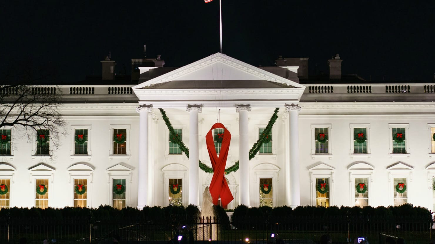 Trump fires HIV/AIDS panel