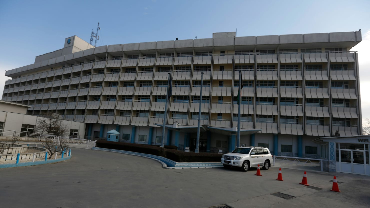 Gunmen attack International hotel in Kabul