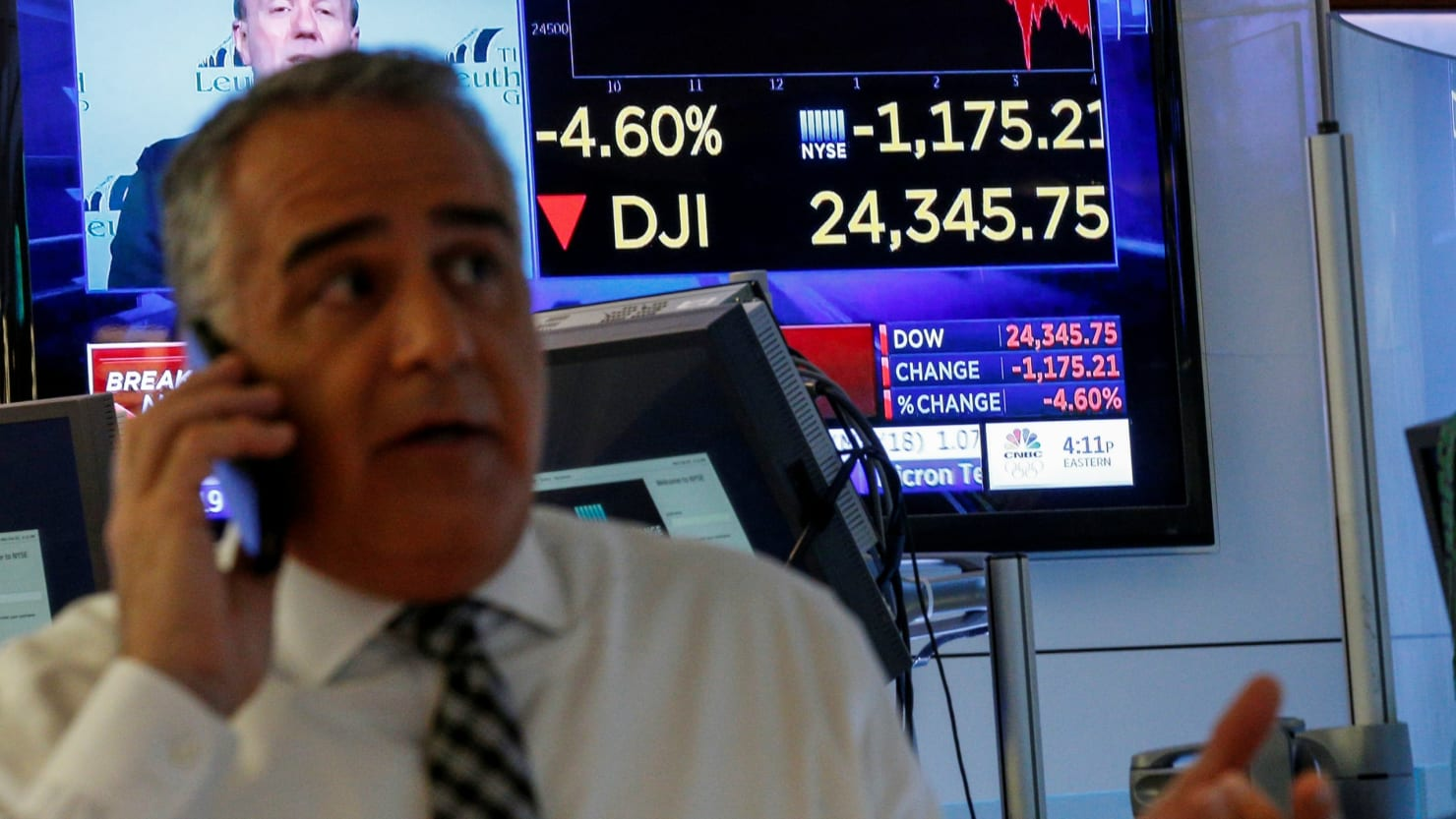 Dow Plunges 1,000 Points as Wall Street's Bad Week Gets Worse