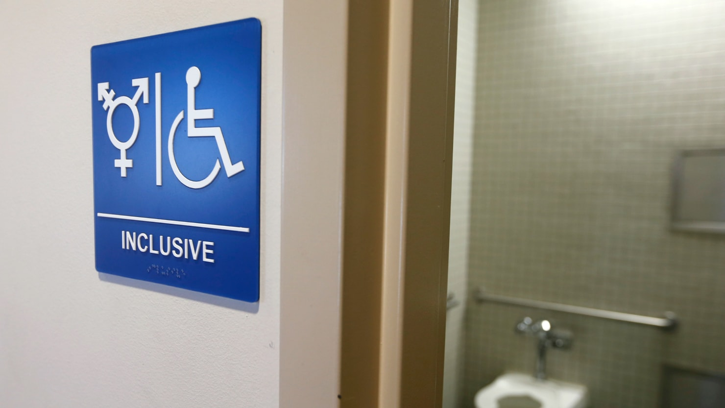 Trump's Ed. Dept. tp ignoer transgender bathroom complaints