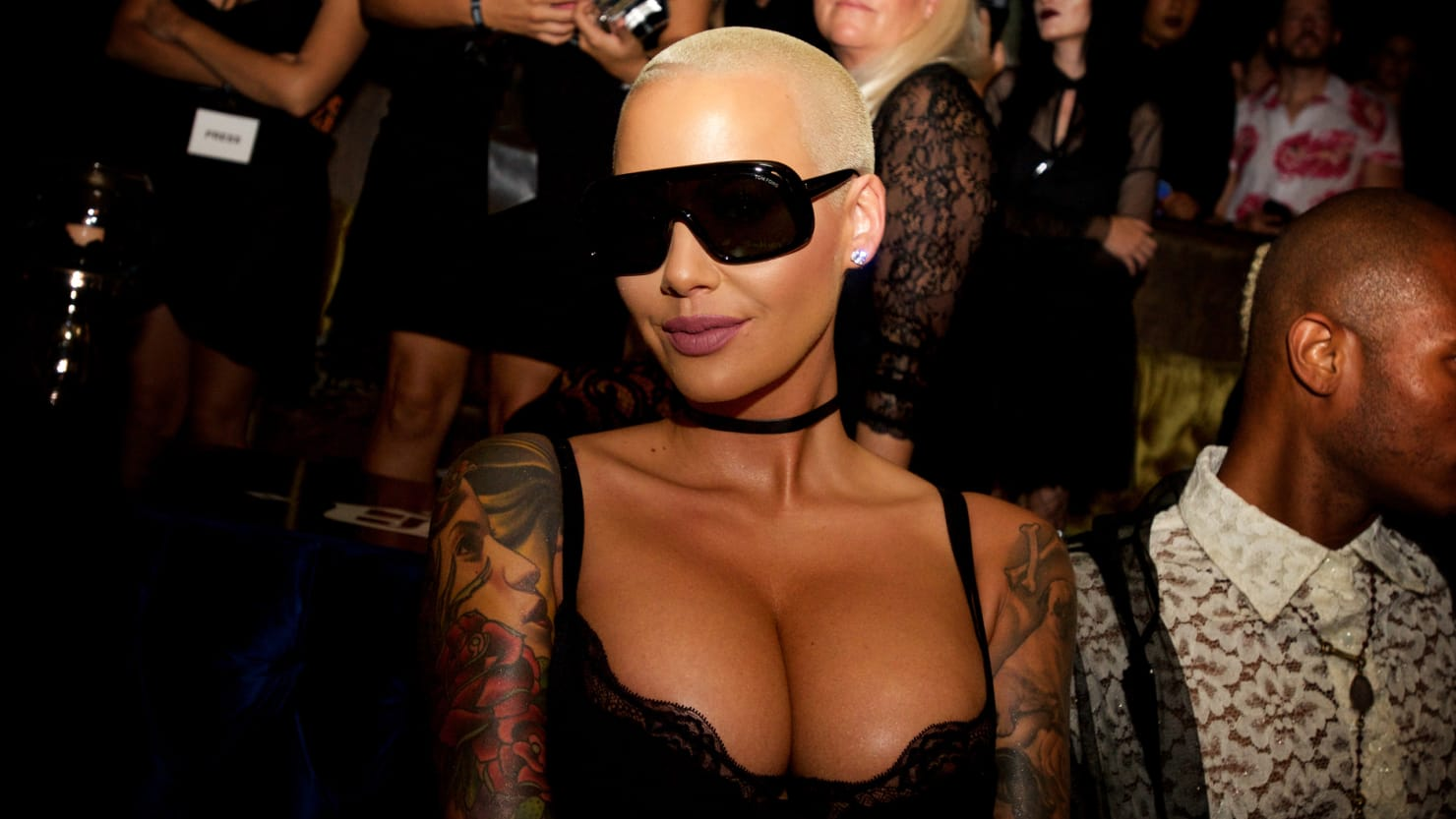 Amber rose nude hell yeah you need to see this pics
