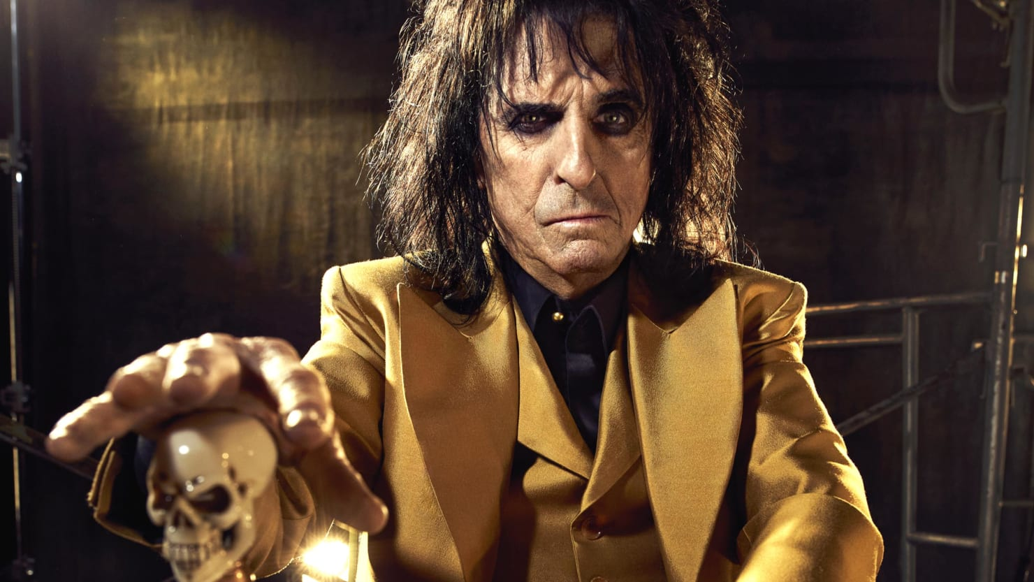 Go Auto Near Me >> Alice Cooper Escaped Death—Twice—So That He Could Sing to Jesus