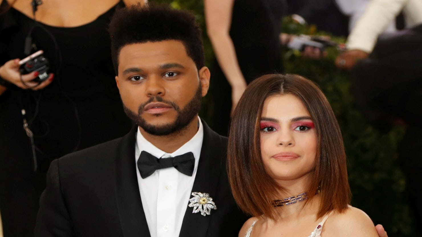 how the weeknd nearly gave his ex  selena gomez  a kidney