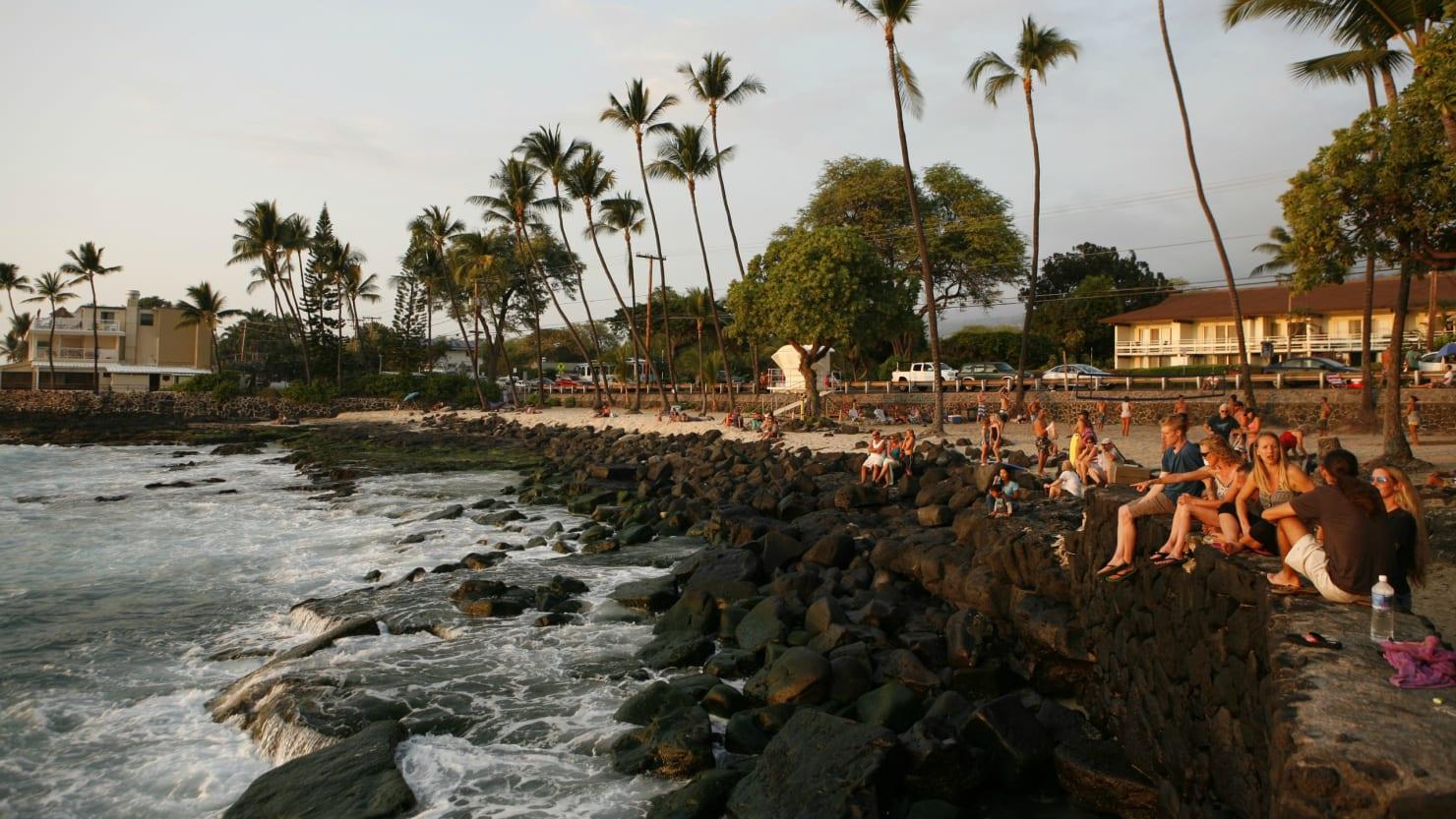 Shark Attacks Hawaii Paddleboarder 100 Yards Offshore
