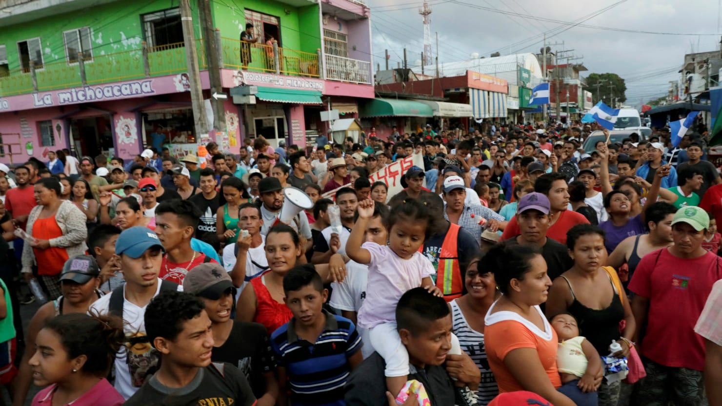 Central Auto Group >> Hundreds of Migrants in Mexico Caravan Want U.S. Asylum