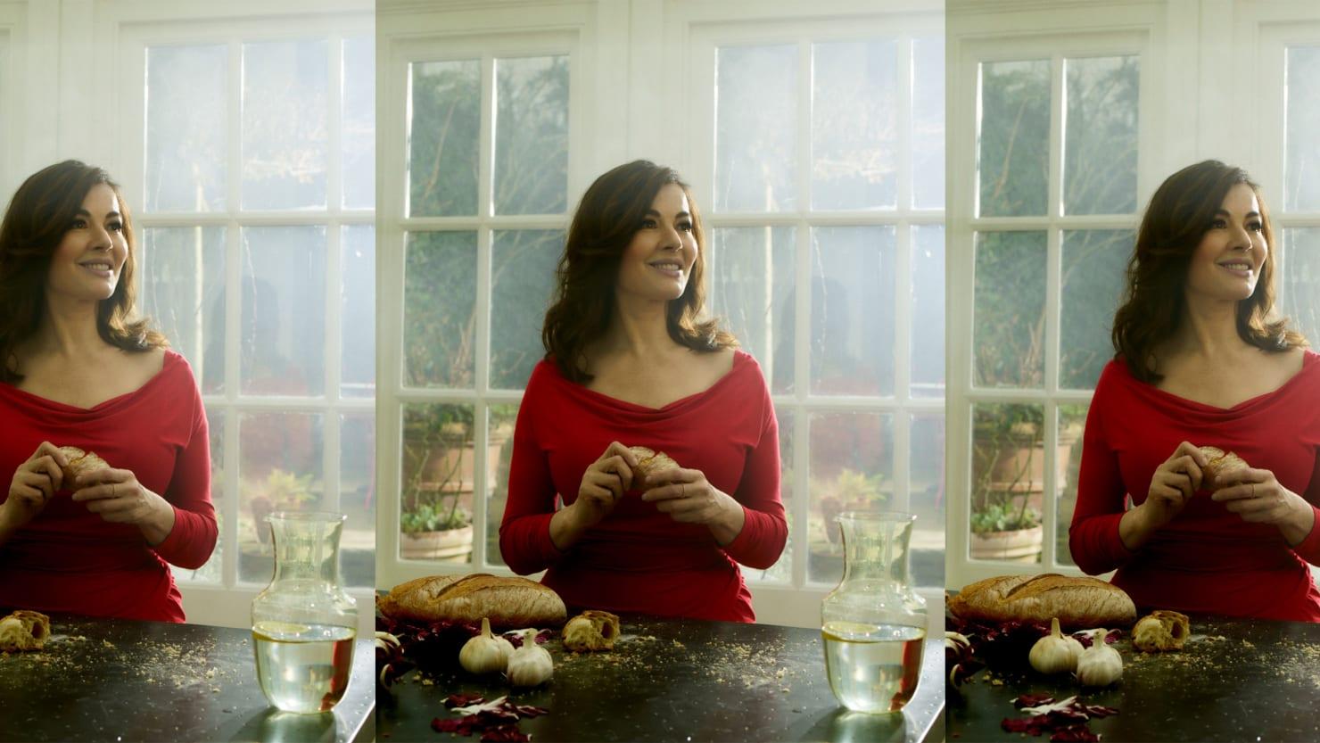 Nigella Lawson's Favorite Chicken Recipe to Serve Guests
