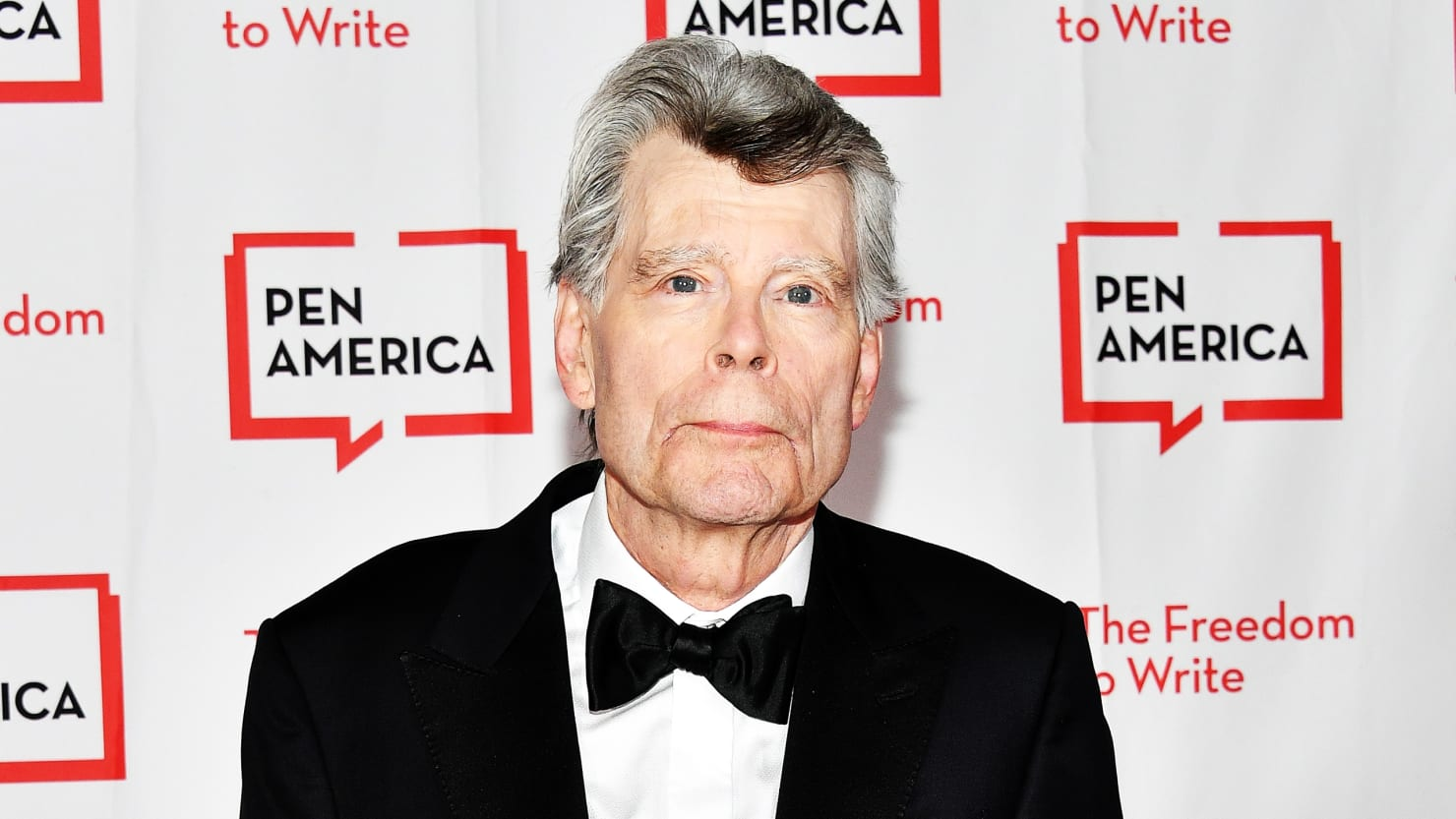 an overview of the horror work by stephen king an american novelist Misery by stephen king in doc, fb3,  novelist paul sheldon meets his biggest fan  she wants paul to write his greatest work-just for her.
