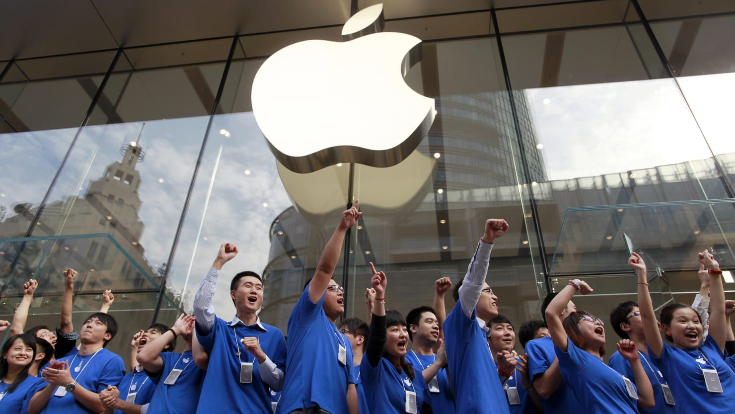China Threatens to Hold Apple Hostage