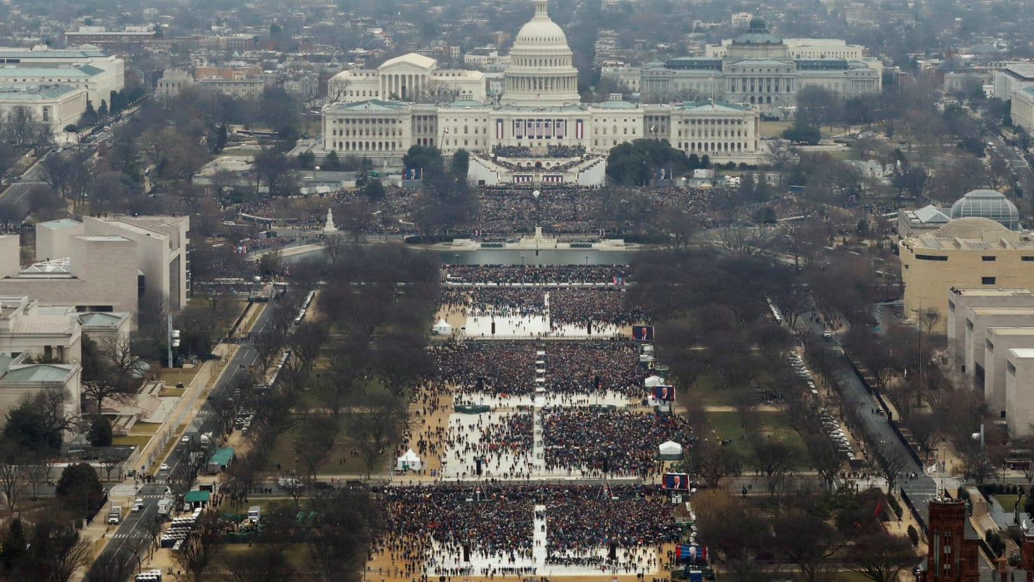 Government Photographer Edited Inauguration Pics to Make Crowd Look Bigger: Documents