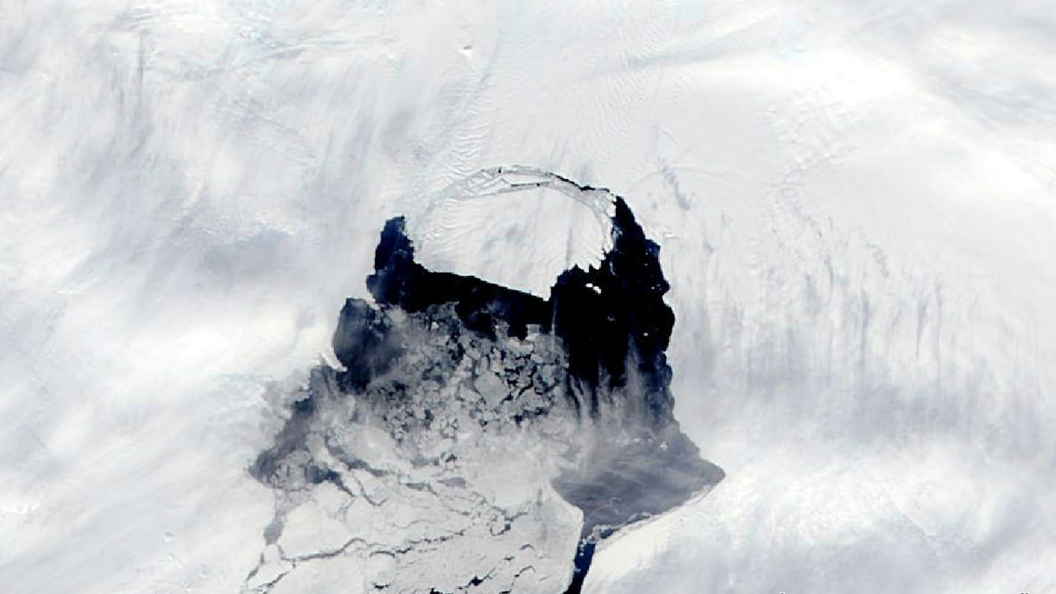 Massive Iceberg Poised to Break Off Antarctica Glacier