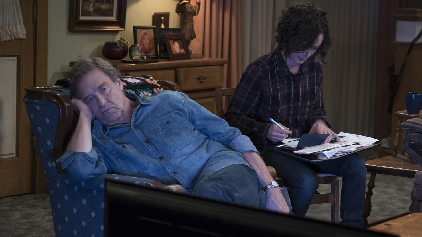 Roseanne Dies of an Opioid Overdose in 'The Conners.' That's the Wrong Move.