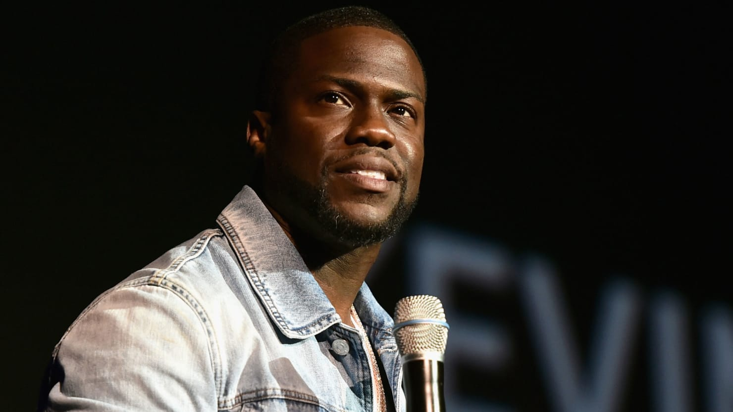 Kevin Hart Steps Down as Oscars Host Amid Homophobic Tweet Furor