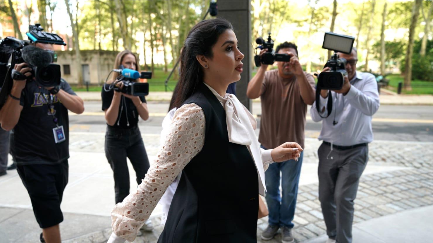 el chapo u0026 39 s wife plays hooky from brooklyn trial