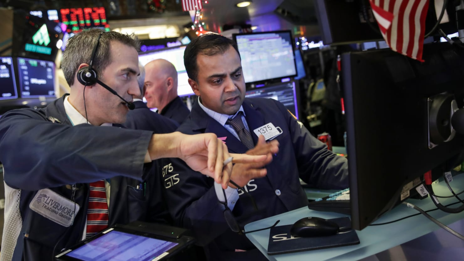 Dow Jumps More Than 1000