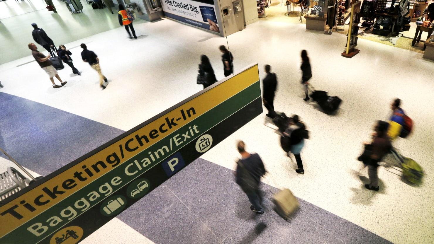 Government Shutdown Forces Houston Airport to Close TSA Checkpoint