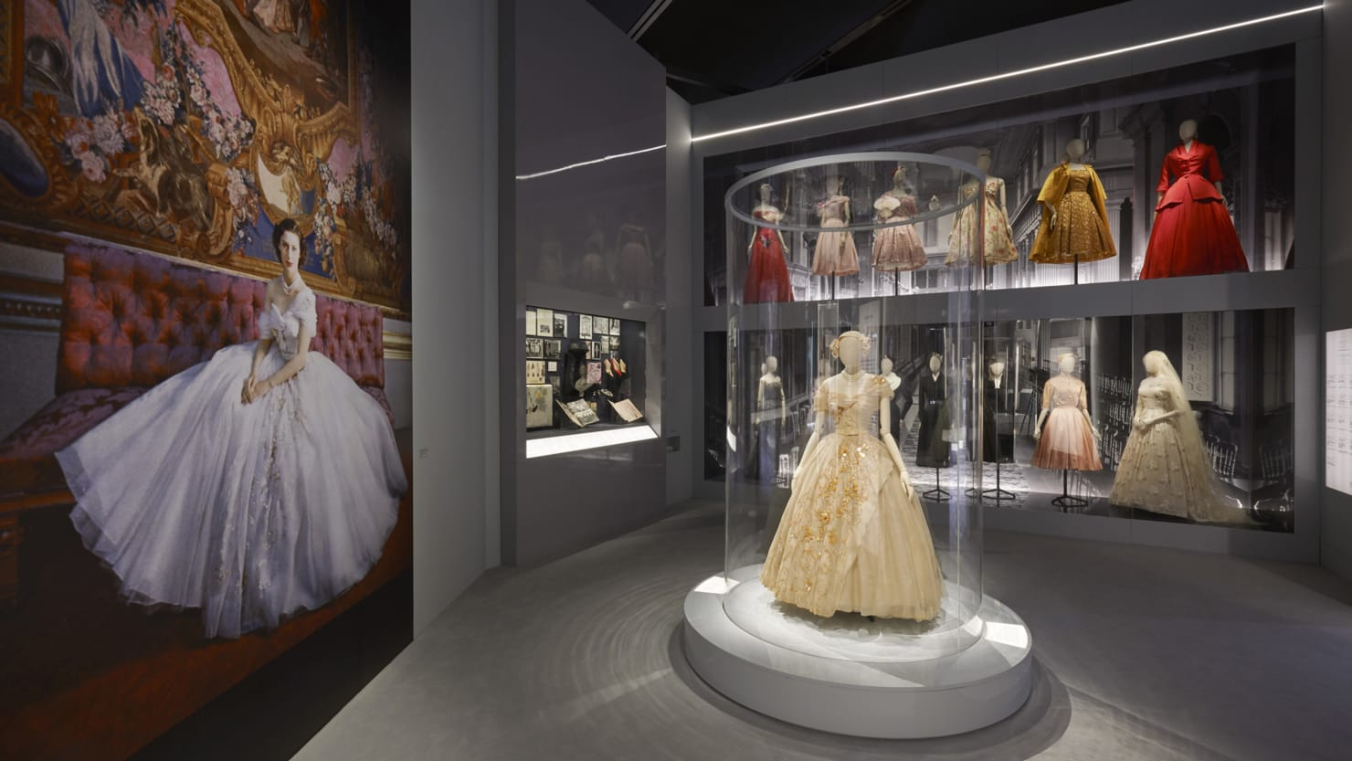 This London Exhibit Shows How Christian Dior Changed