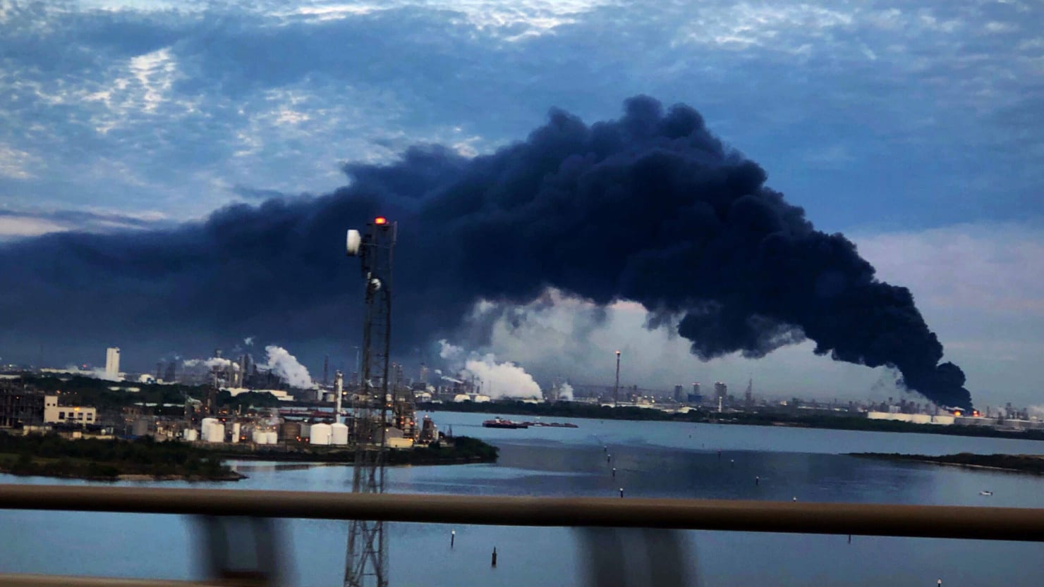 Report: Hundreds Seek Medical Help After Houston Chemical Plant Fire