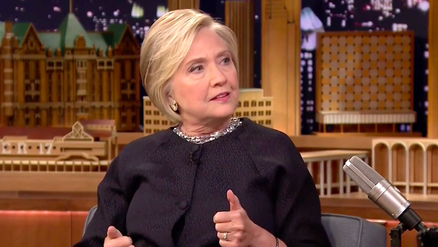 hillary clinton goes off on trump and gop over guns u0027totally sold