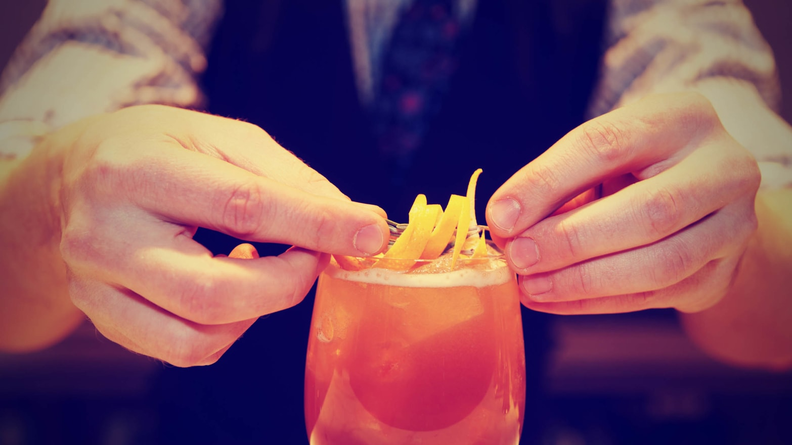 Life Behind Bars, Episode 2: American Bartenders Abroad on