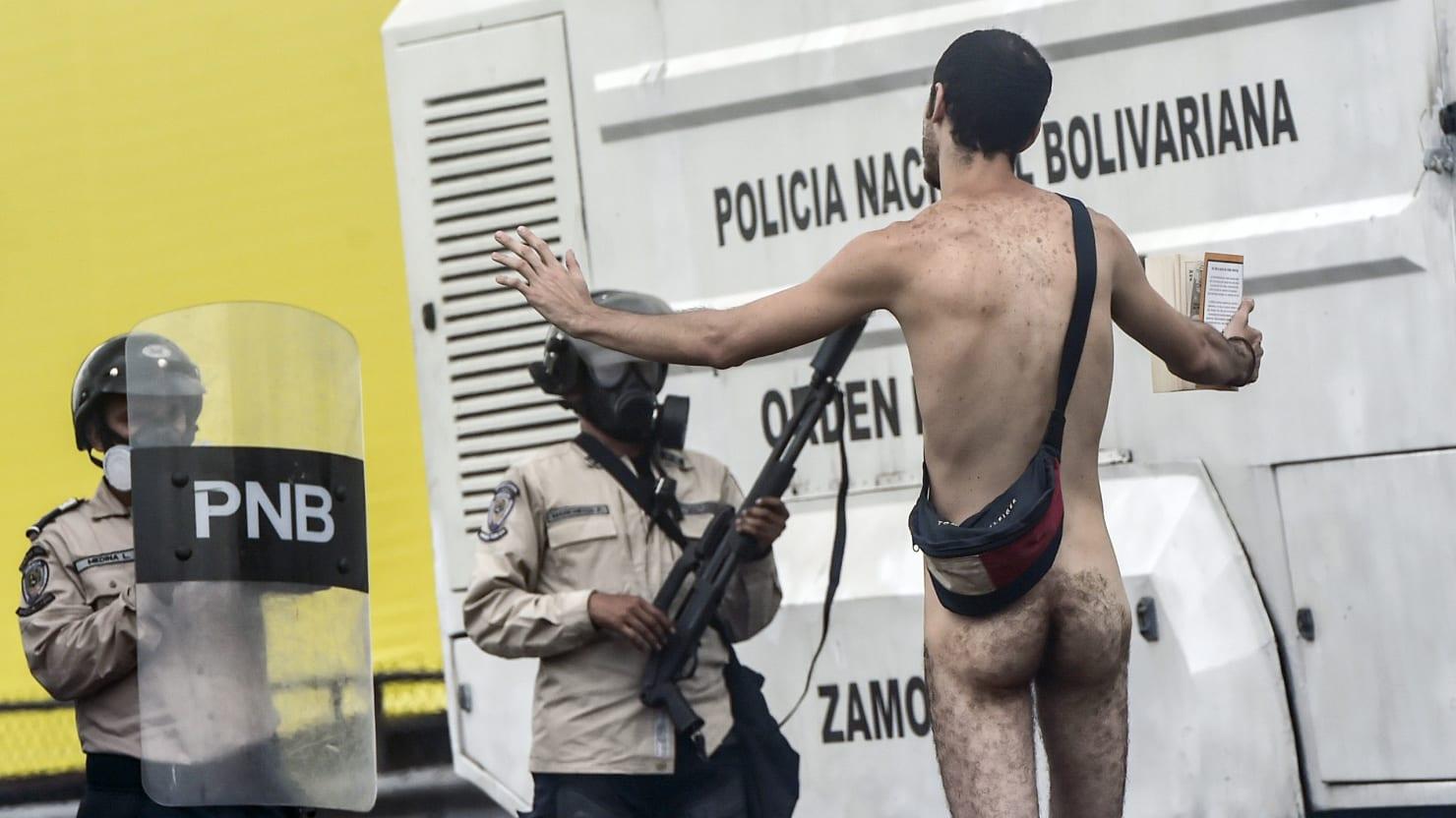 Naked pictures in venezuela