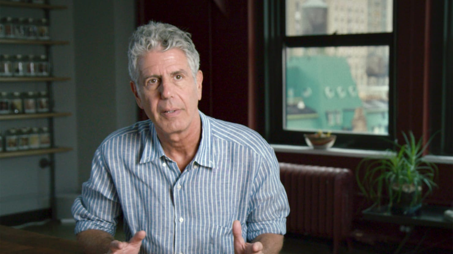 Anthony bourdain sets the record straight for R kitchen confidential