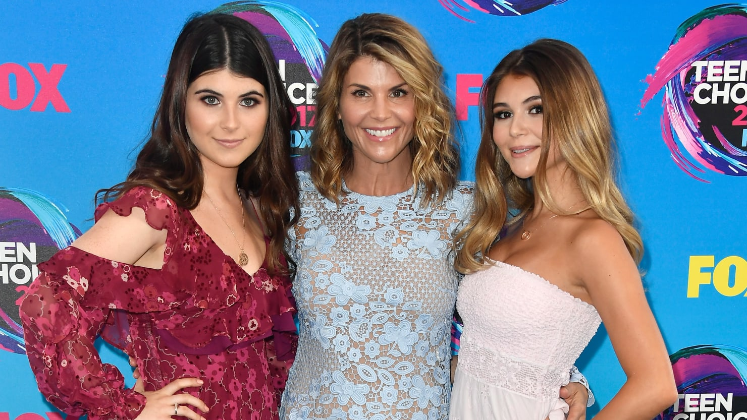 Fake Rowing Resume of Lori Loughlin's Daughter Revealed by Feds