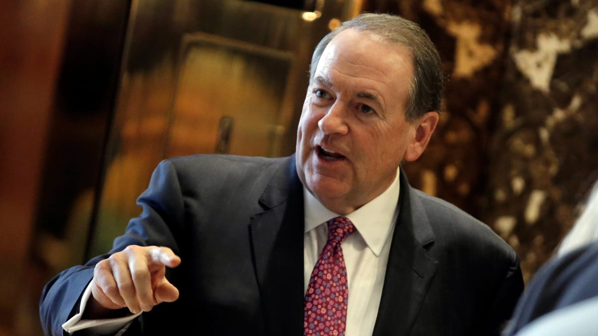 Mike Huckabee Files Bar Complaint Against Twitter Critic Over Beach Feud