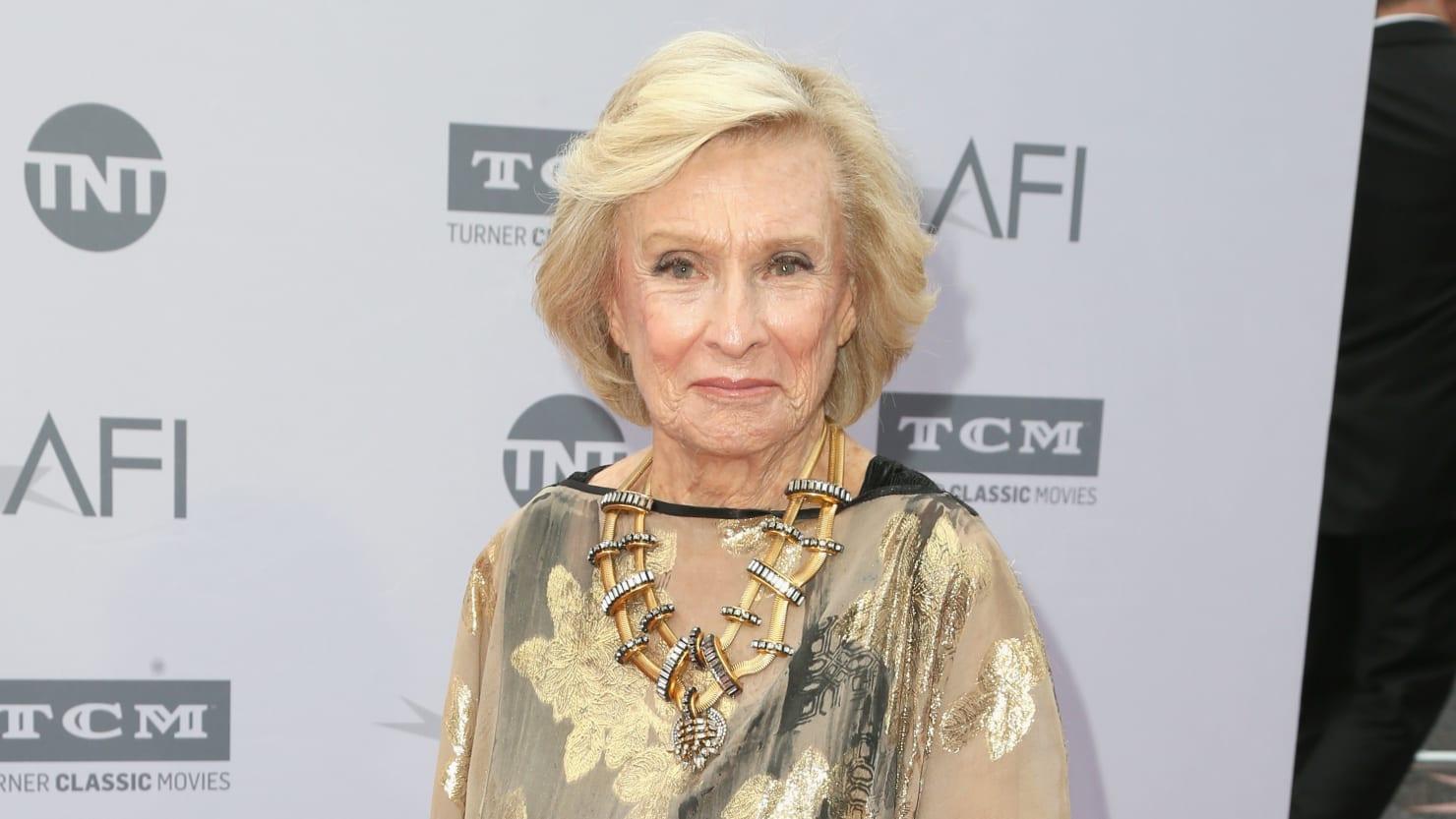 """Tech :  Cloris Leachman, célèbre pour son rôle dans """" The Mary Tyler Moore Show """", décède  , avis"""