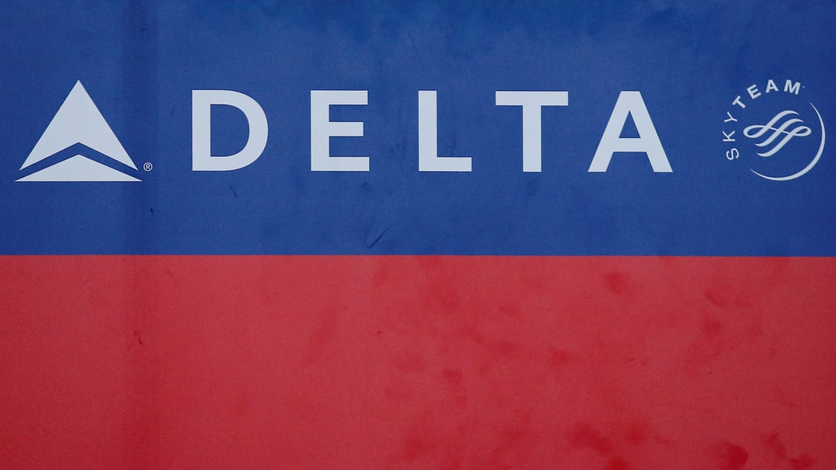 Delta Fined $50,000 for Kicking Off Three Muslim Passengers