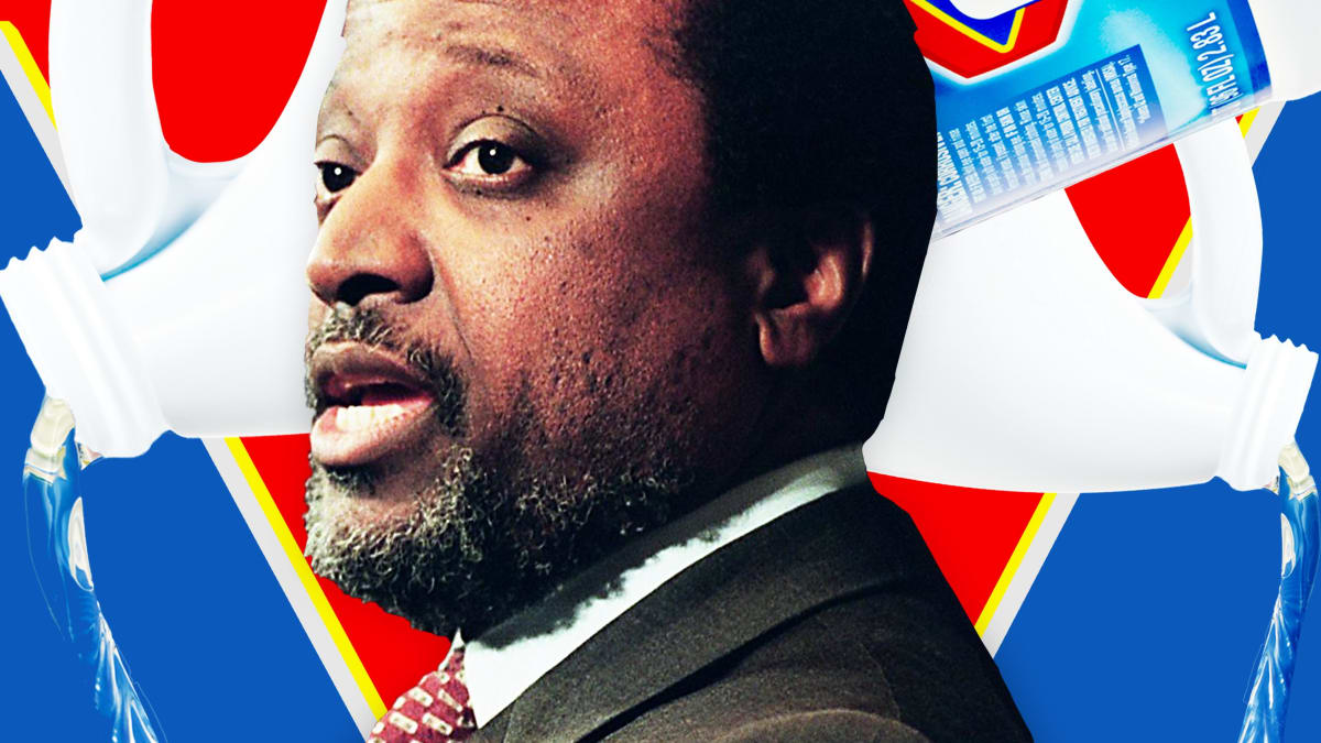 Alan Keyes Is Helping Sell a Toxic Bleach 'Cure,' Miracle Mineral Solution, to the Vulnerable and Desperate