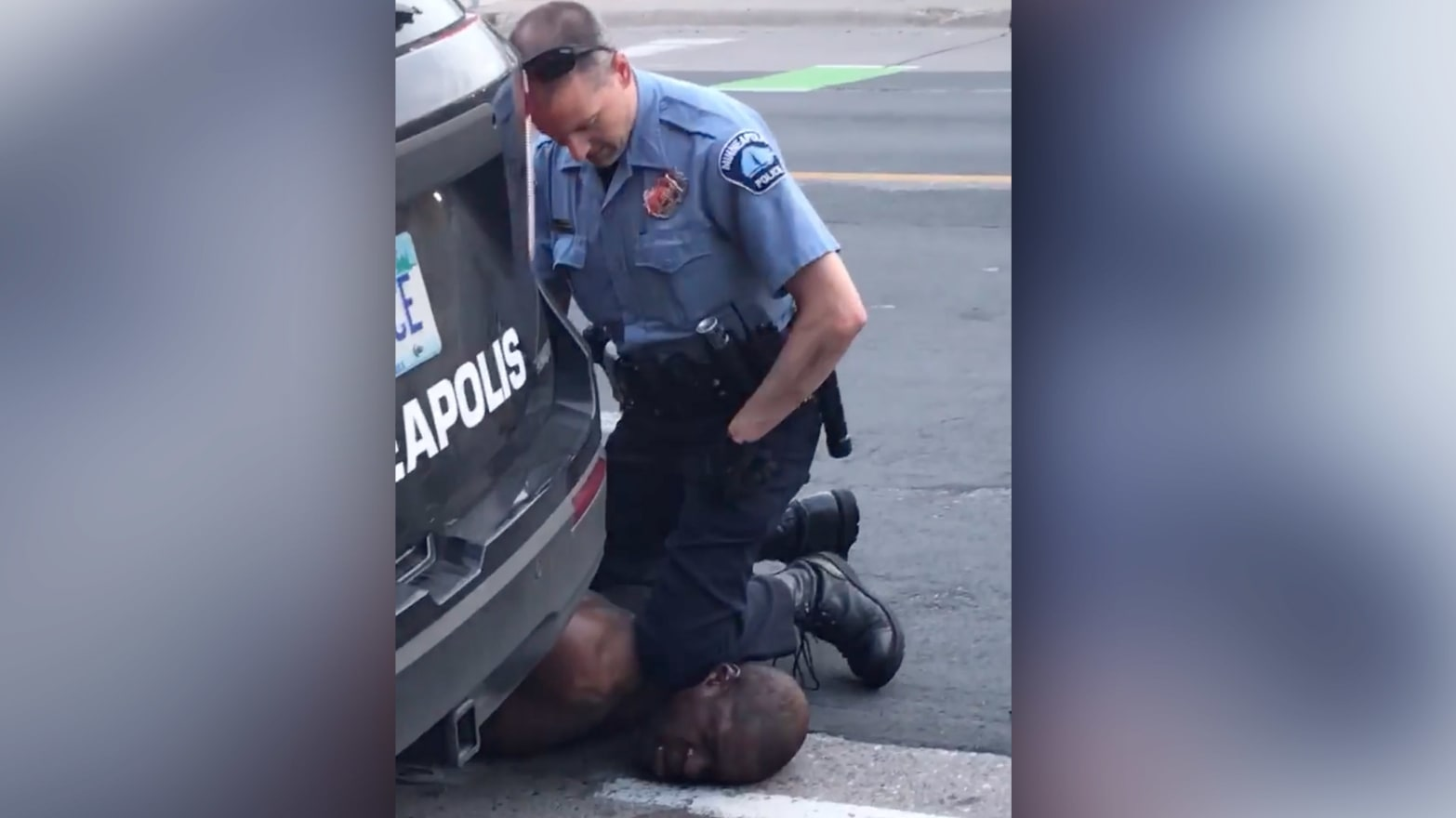Derek Chauvin, Minneapolis Cop Shown Kneeling on George Floyd's Neck, Hires  Philando Castile Shooter's Lawyer