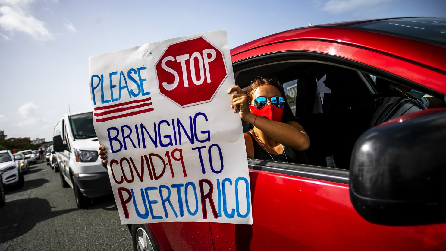 Deluded Anti-Mask Tourists Swarm COVID-Plagued Puerto Rico