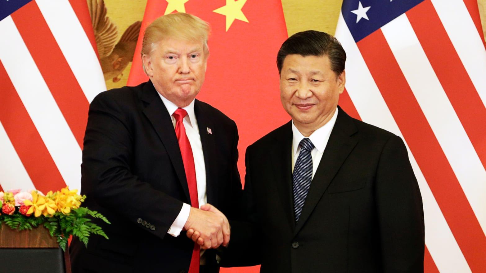 CHINA RESPONDE À LEI DOS EUA DE APOIO A HONG KONG E AUMENTA TENSÃO NA ÁSIA