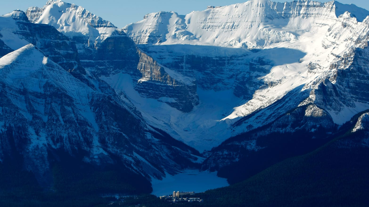 Three Elite Mountain Climbers Presumed Dead in Canadian Rockies Avalanche
