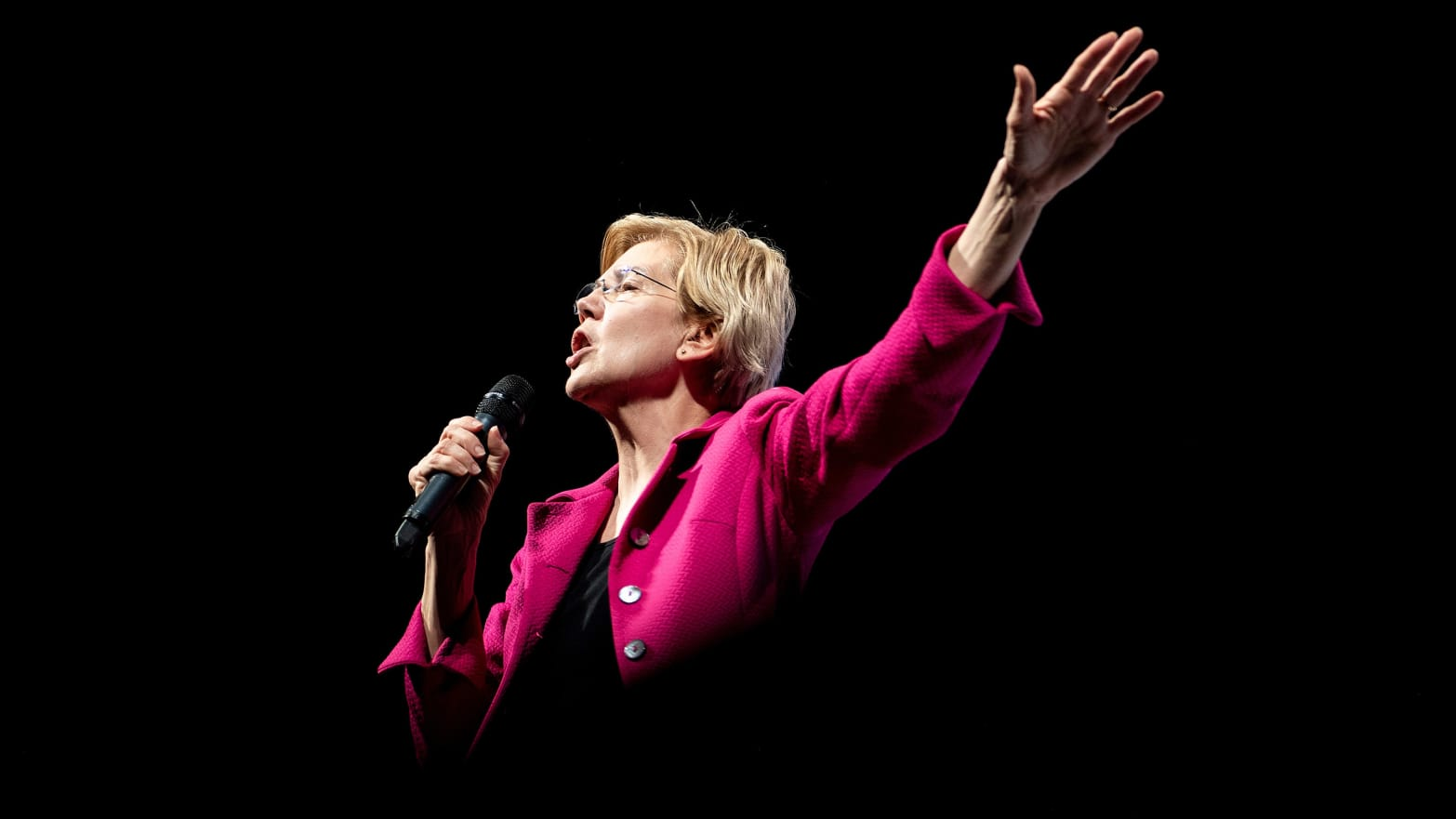 Elizabeth Warren Calls for Wiping Out Student-Loan Debt, Making College Free