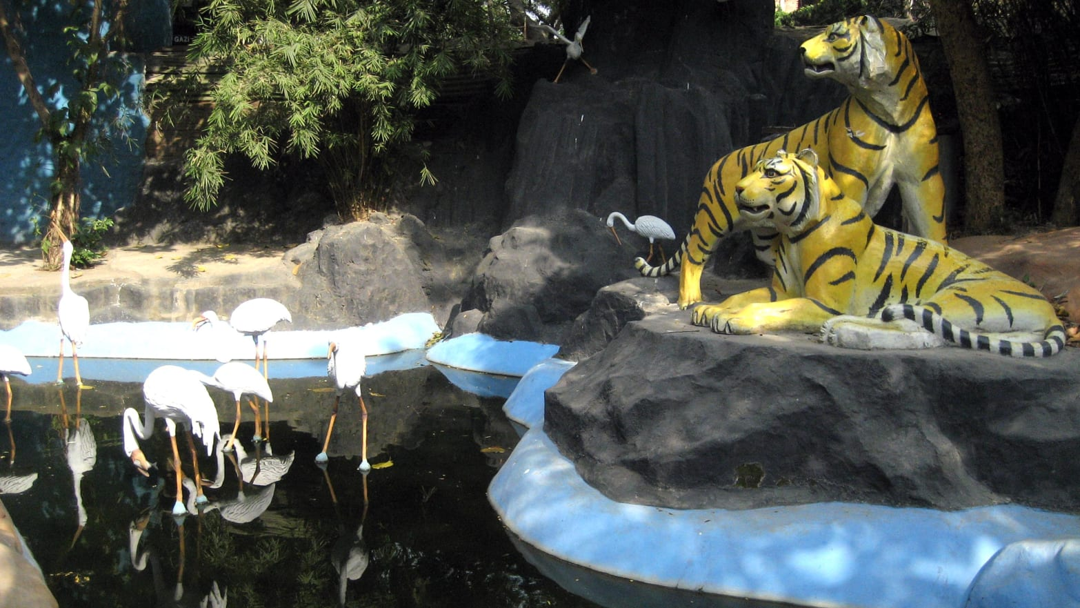 Dhaka, Bangladesh: Kitschy Theme Parks and Restaurants Are