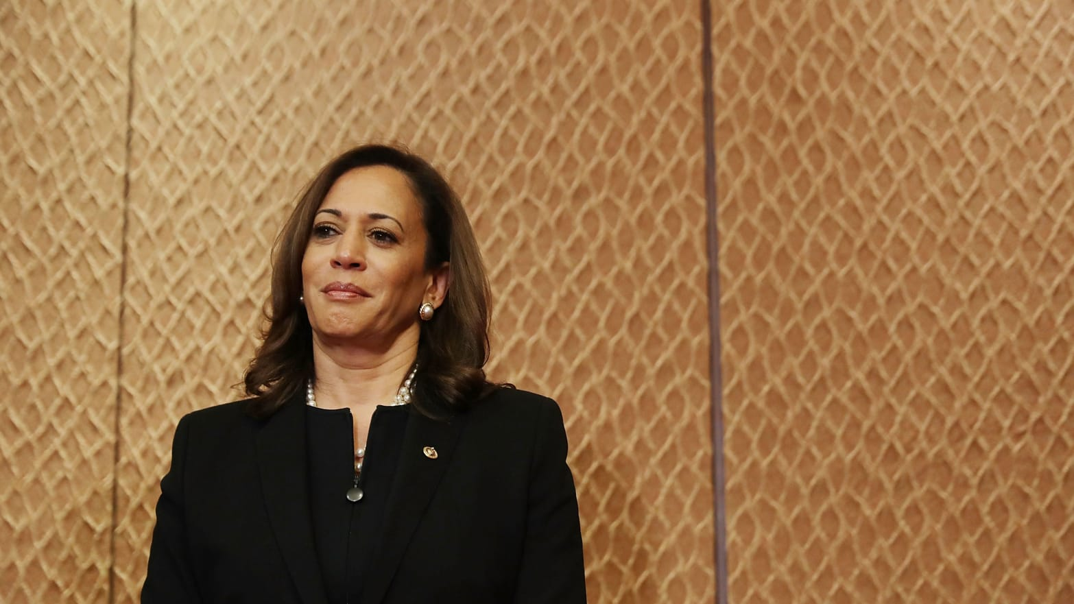 Kamala Harris Says She's Uncomfortable with Bernie's Health Care Plan Two Years After Cosponsoring It