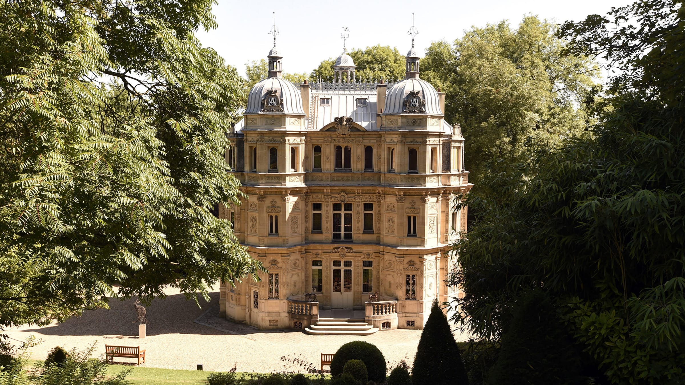 The Gaudy Pleasure Palace That Wrecked Alexandre Dumas