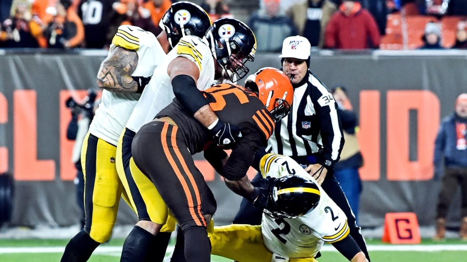 33 Players Fined Steelers Mason Rudolph Gets 50k For Mid