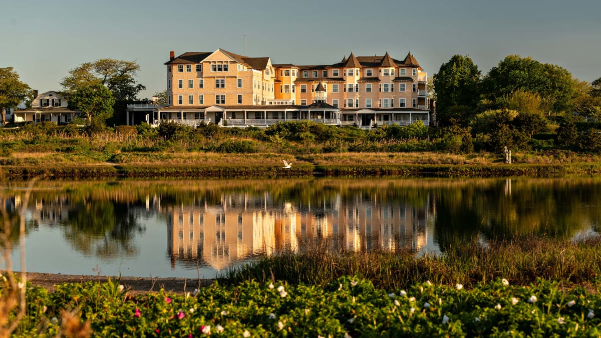 Martha's Vineyard's Harbor View Hotel Is the Laid Back Vacation You Need