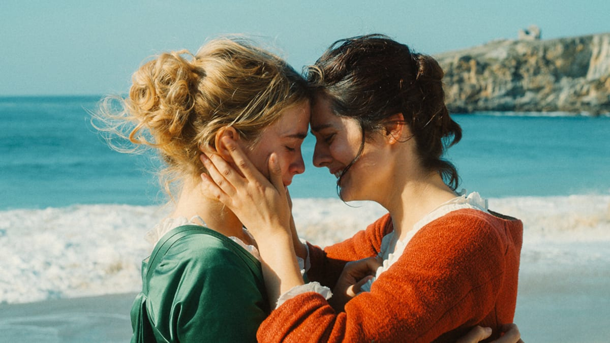 'Portrait of a Lady on Fire': A Lesbian Movie Masterpiece That Explodes the Male Gaze