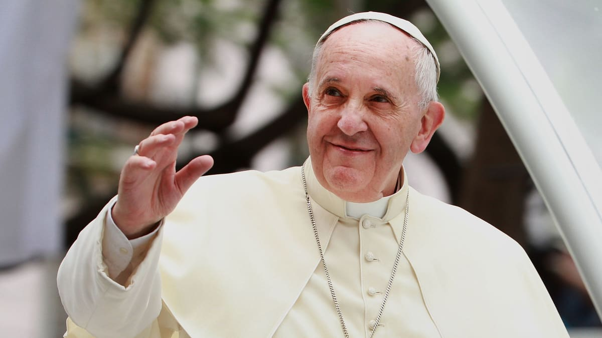 Pope Francis Focuses on Migrant Suffering in Christmas Day Message
