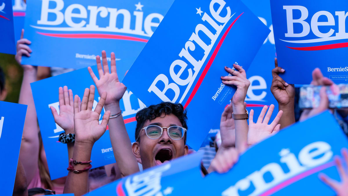 Bernie Bros Are Loud, Proud, and Toxic to Bernie Sanders' Campaign