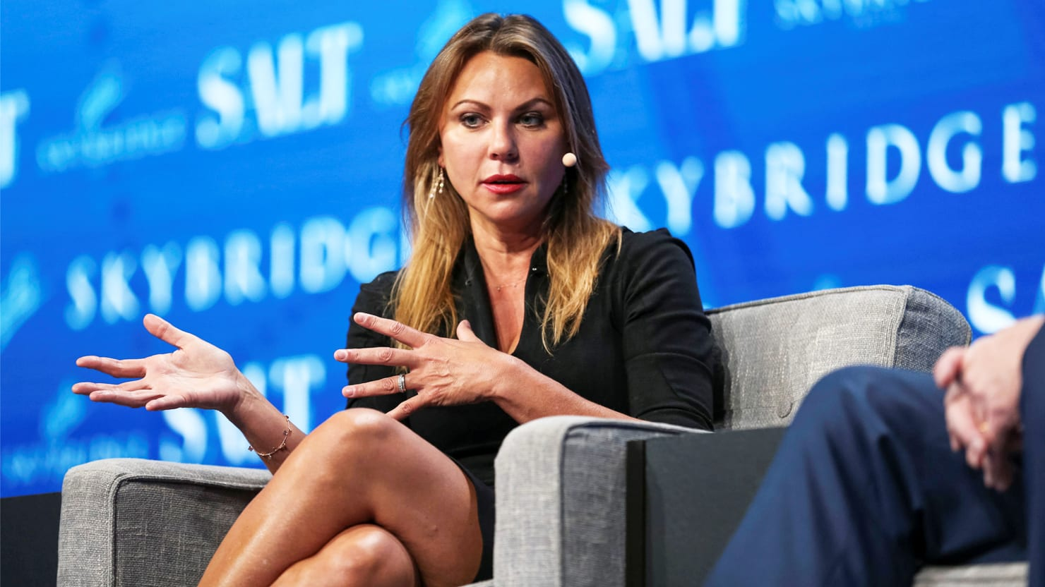 Fox Auto Group >> Lara Logan Returns to TV as a Right-Wing Heroine at Sinclair, Condemning 'Moral Cowards' at CBS