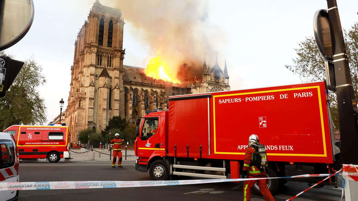 Notre Dame De Paris Fire Fdny Captain Grieves With Paris