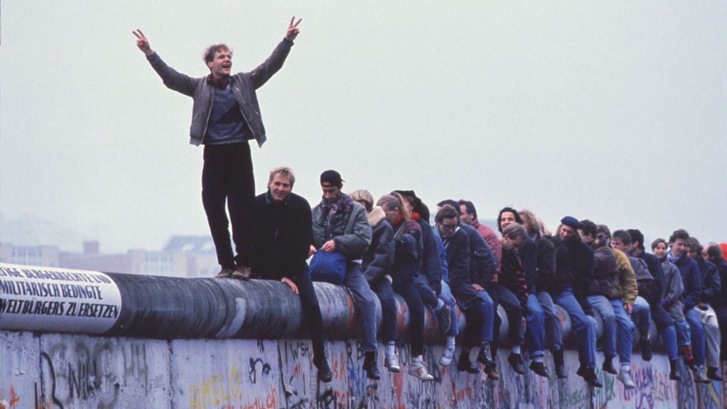 The Berlin Wall and the Collapse of Communism in Five Acts