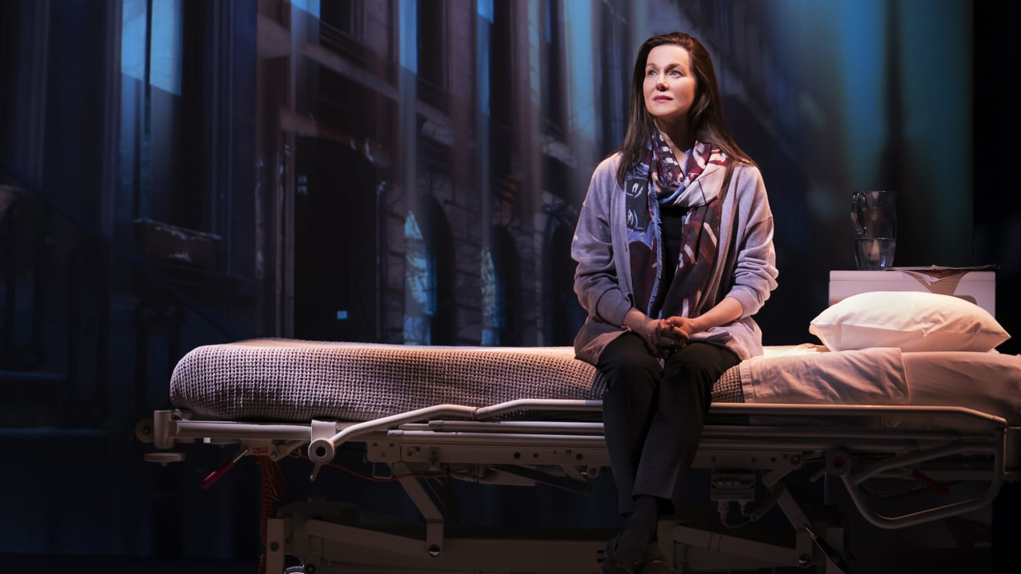 'My Name Is Lucy Barton': Laura Linney Makes a Little Life Big on Broadway