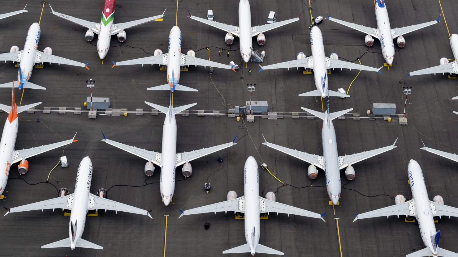 Boeing Is Totally Screwed as Orders Plunge and Customers Switch to Airbus