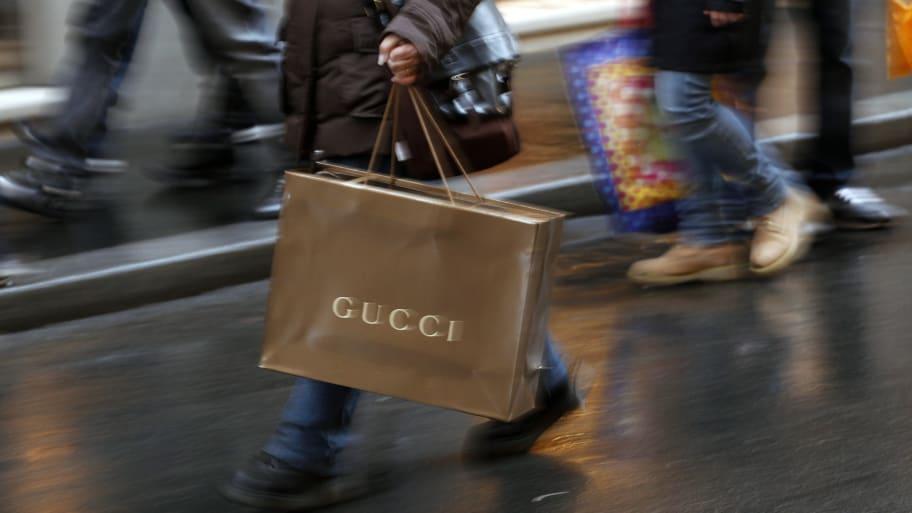 57b156e080 Gucci Turban: Nordstrom Pulls $790 Gucci 'Indy Full Turban' After ...